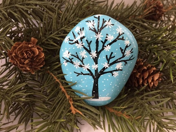 Χριστουγεννιάτικη ζωγραφική σε πέτρες και βότσαλα80