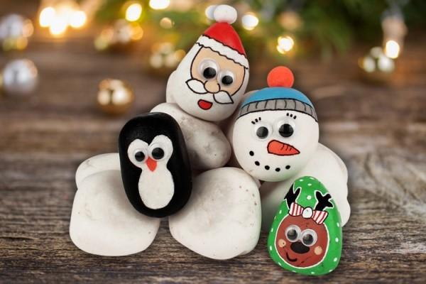 Χριστουγεννιάτικη ζωγραφική σε πέτρες και βότσαλα83