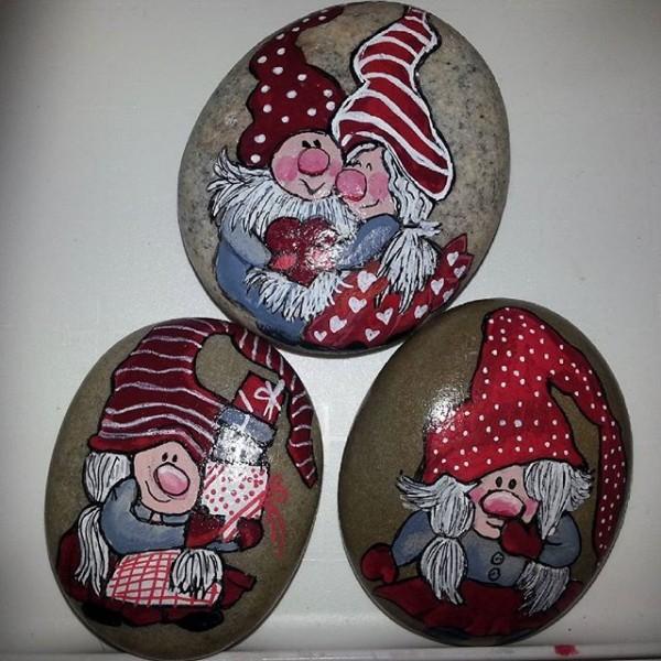 Χριστουγεννιάτικη ζωγραφική σε πέτρες και βότσαλα87