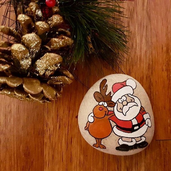 Χριστουγεννιάτικη ζωγραφική σε πέτρες και βότσαλα95