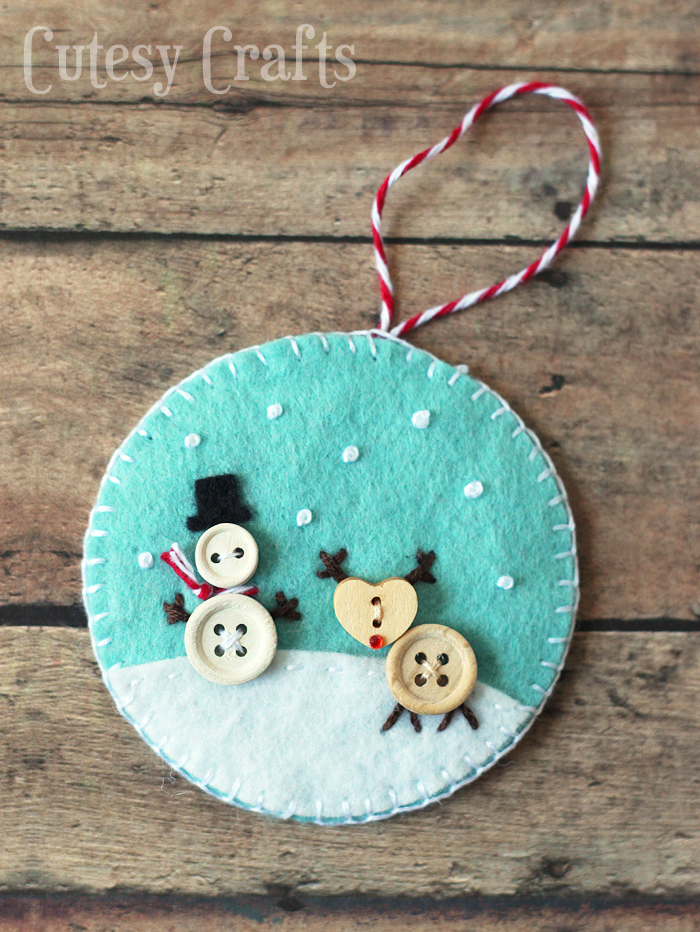 DIY κατασκευές από κουμπιά για τα Χριστούγεννα10