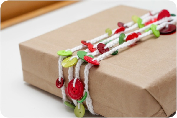 DIY κατασκευές από κουμπιά για τα Χριστούγεννα5