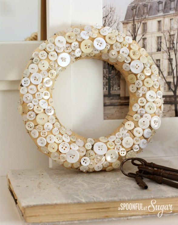 DIY κατασκευές από κουμπιά για τα Χριστούγεννα7