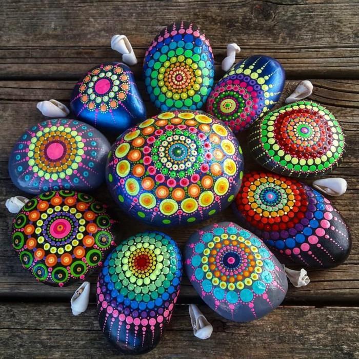 ζωγραφική μάνταλα σε πέτρες και βότσαλα13