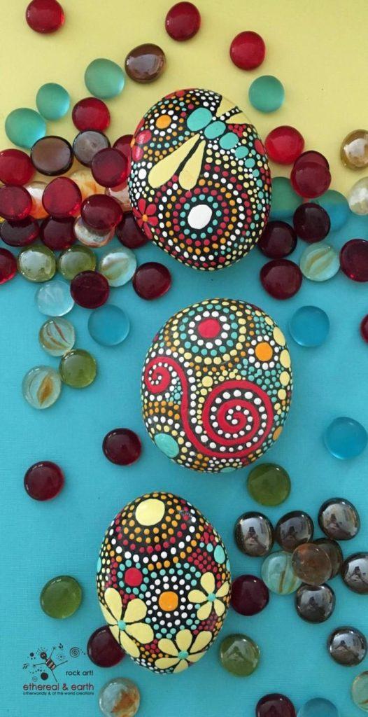 ζωγραφική μάνταλα σε πέτρες και βότσαλα15