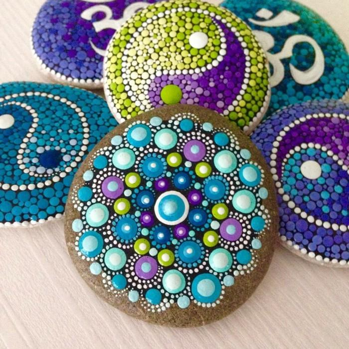 ζωγραφική μάνταλα σε πέτρες και βότσαλα19