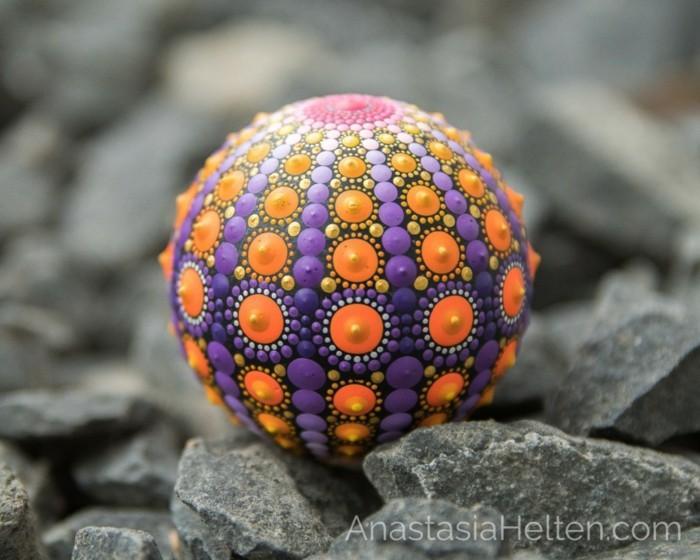 ζωγραφική μάνταλα σε πέτρες και βότσαλα28
