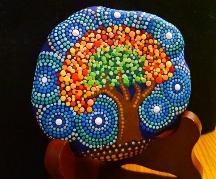ζωγραφική μάνταλα σε πέτρες και βότσαλα32