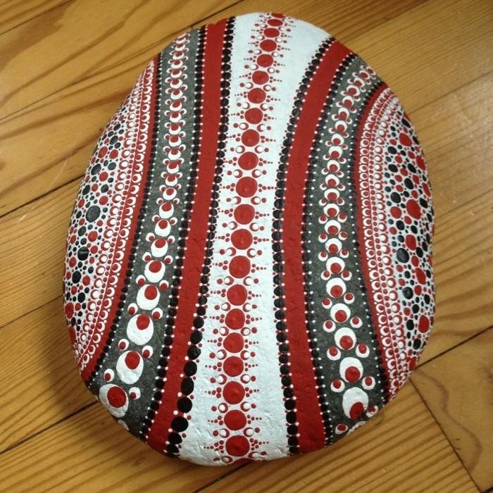 ζωγραφική μάνταλα σε πέτρες και βότσαλα5