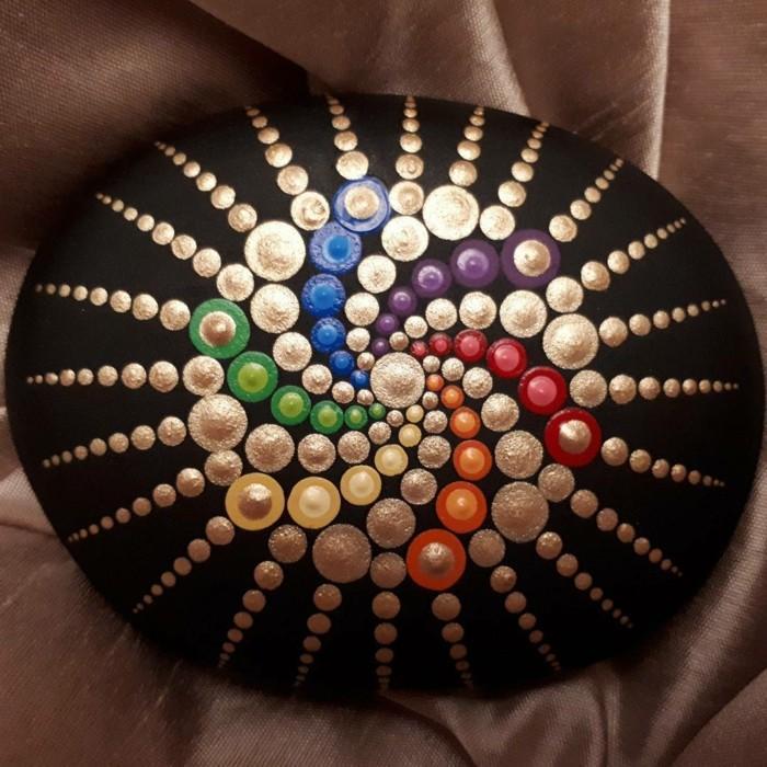 ζωγραφική μάνταλα σε πέτρες και βότσαλα6