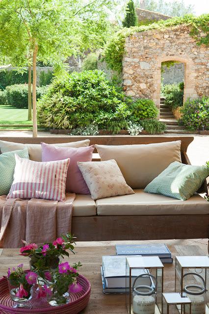 Εξωτερική Διακόσμηση με μαξιλάρια5