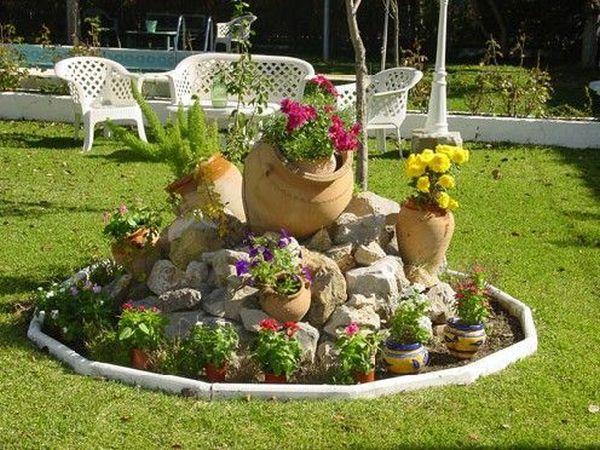 διακόσμηση στον κήπο με πέτρες και πυθάρια2