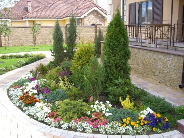 Λουλούδια μπροστά από το σπίτι15