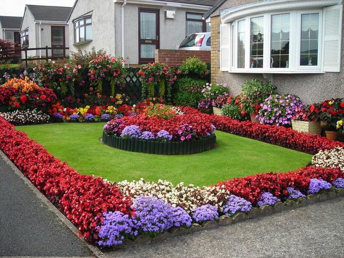 Λουλούδια μπροστά από το σπίτι19