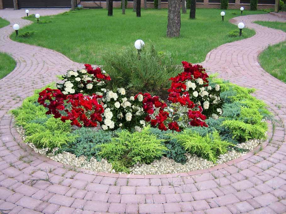 Λουλούδια μπροστά από το σπίτι7