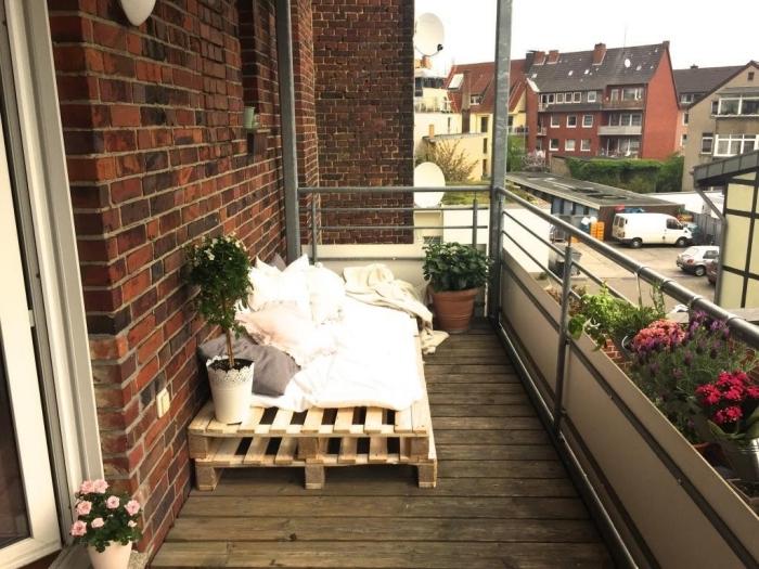Selbstgebaute Gartenmöbel verschönert sen Balkon Sofa ist Frisch Planen von paletten sofa balkon